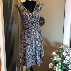 Lovely Ralph Lauren dress in black n white.  Sz 2.